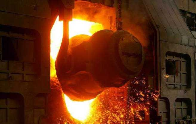 adding molten steel to the converter